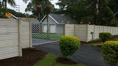 gate 002
