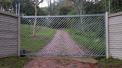 gate 003
