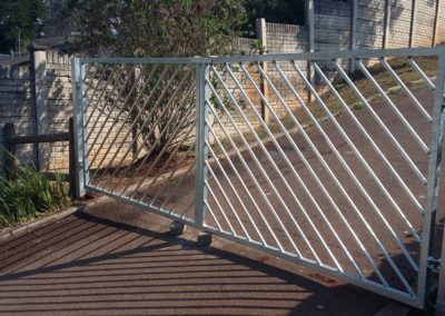 gate 015